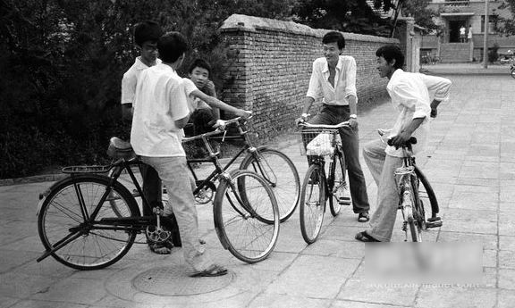 80年代自行车手绘