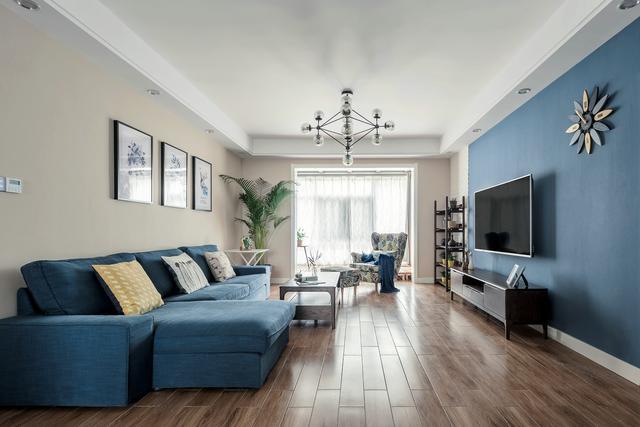 140㎡现代美式风格家居设计,家具沉稳软装柔和,温馨而图片