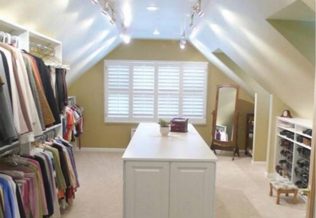设计 文章    设置完美衣帽   拥有楼梯间的家庭经常将之作为储藏室