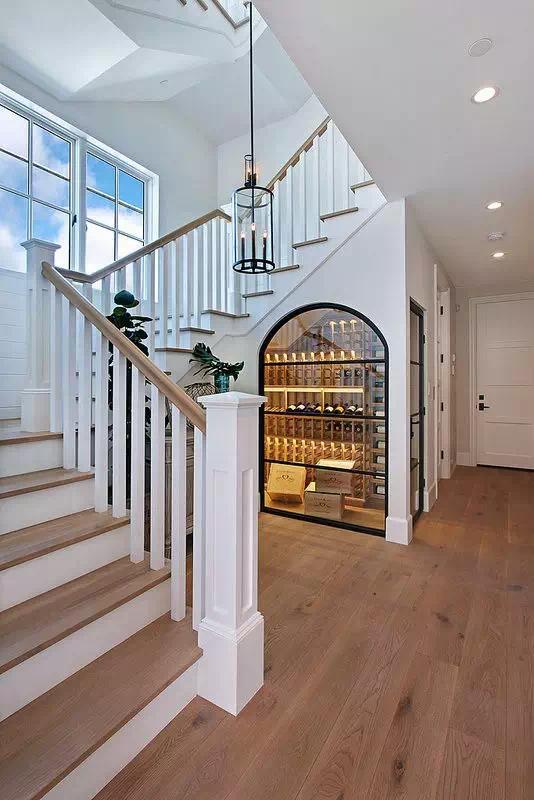 楼梯下的空间,竟然可以这样设计