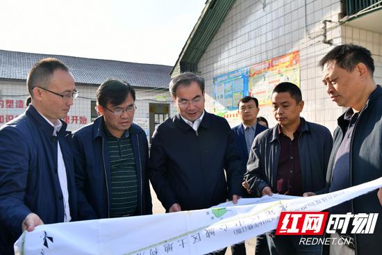 刘革安调研市中心城区教育工作