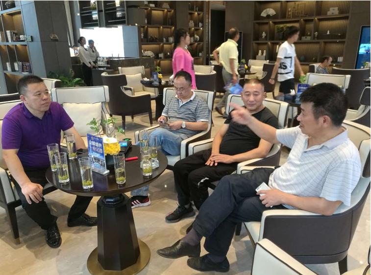 市住建局蒋明强副局长调研成品住宅建设