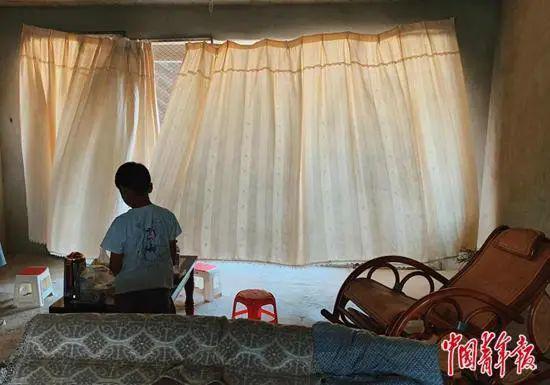 烂尾楼里的 30 位房奴:每天爬 18 楼、一个月洗一次澡搜狐焦点北京站插图(11)