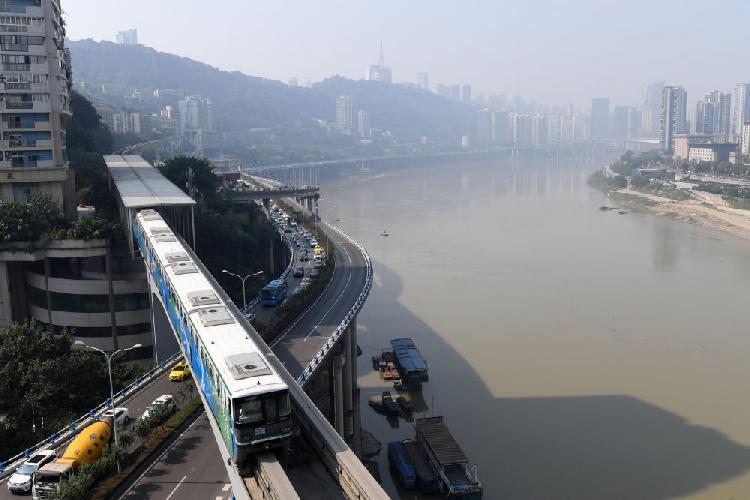 從被潑冷水到建立城市軌道交通標準體系 重慶這樣成為軌交之城