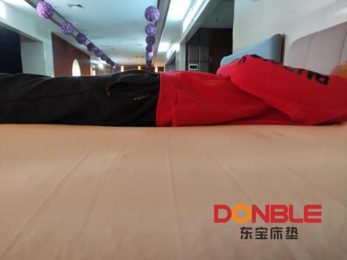 """《【摩登3网上平台】选东宝床垫,给疲惫的身心""""放年假""""》"""