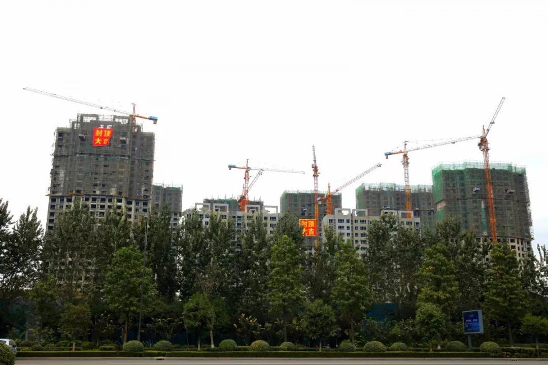 濟寧中學、郗鑒湖公園、圣祥小鎮等,濟寧經開區重點項目工程巡禮