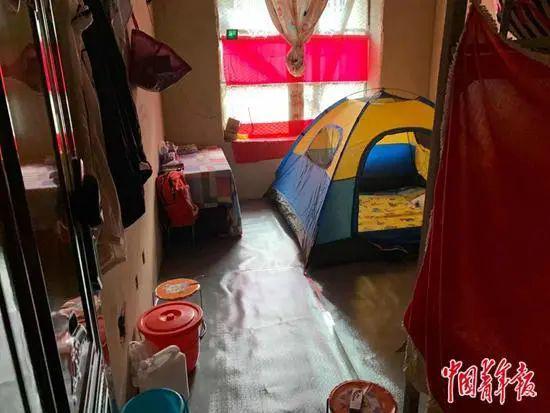 烂尾楼里的 30 位房奴:每天爬 18 楼、一个月洗一次澡搜狐焦点北京站插图(19)