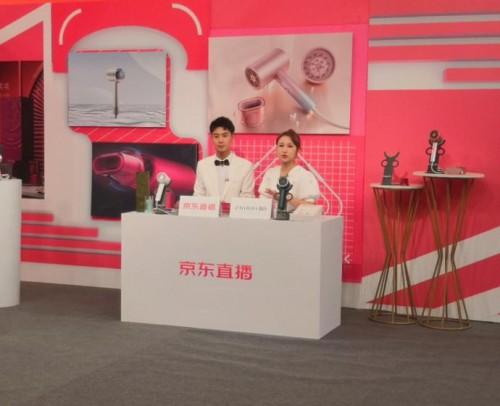 《【摩登3娱乐官网登录】直白电器:保障消费者权益》
