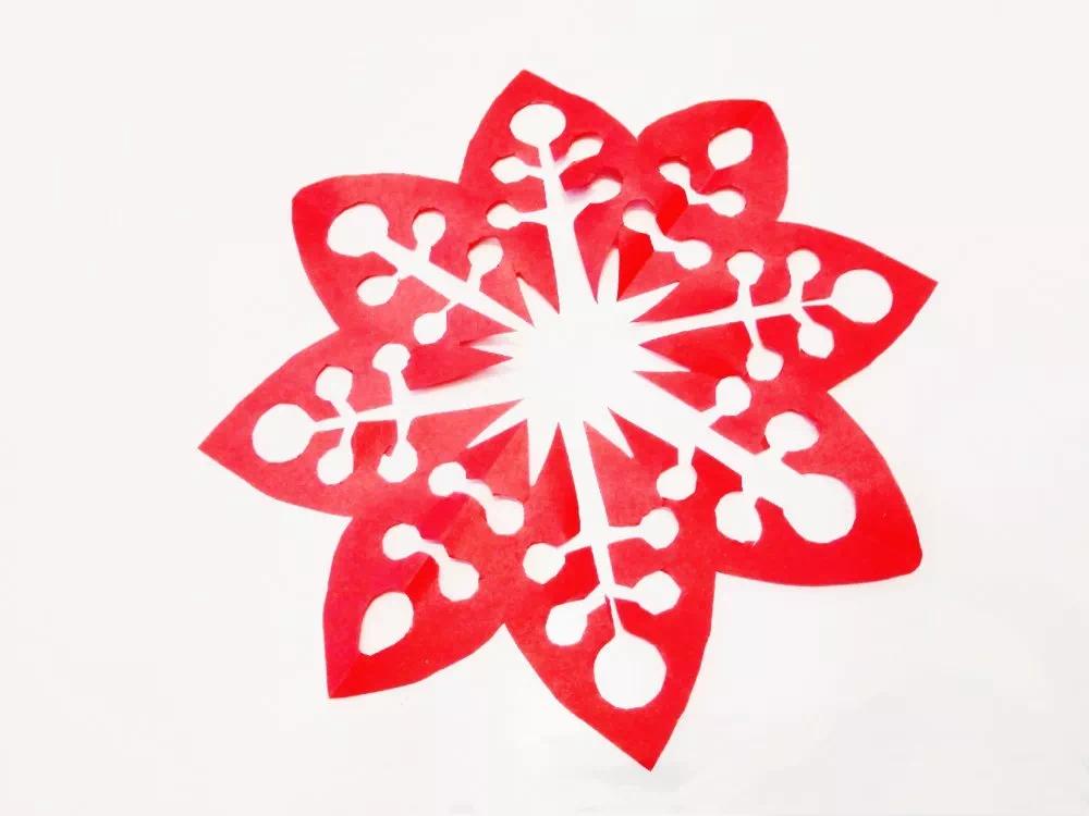 剪纸传温暖,窗花迎新禧 | 哈罗新城暖冬剪纸DIY温暖开启