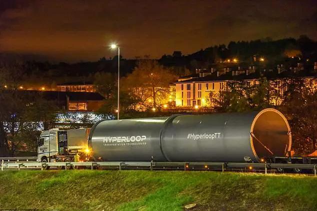 时速达1000公里的世界最快高铁 预计今年运作