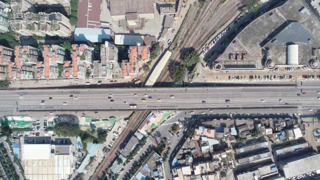 地处荔湾老城区的石围塘站,在施工中还将面临来自管线大迁改的挑战
