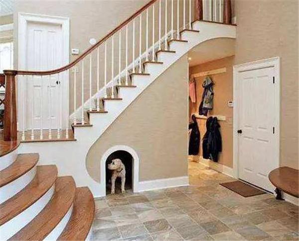 寸土寸金的年代,跃层楼梯间这样装简直赚翻了