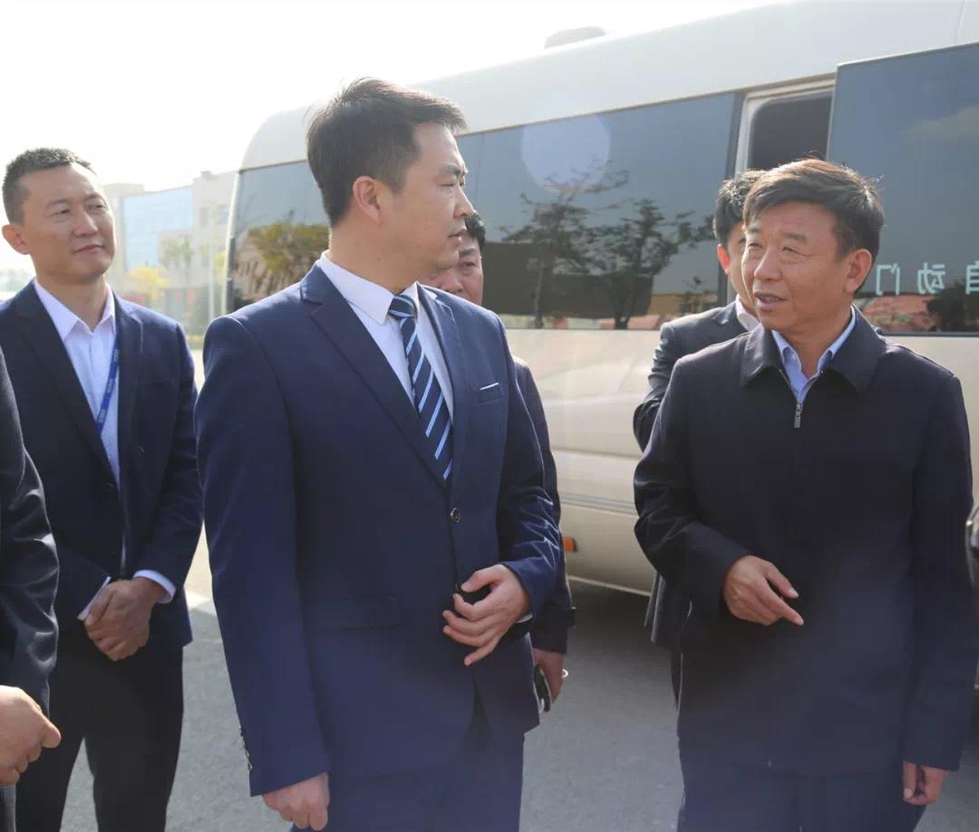 热烈欢迎岱岳区区委书记亓利群等领导一行莅临泰安润恒城调研考察