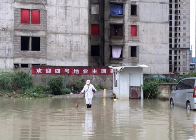 烂尾楼里的 30 位房奴:每天爬 18 楼、一个月洗一次澡搜狐焦点北京站插图(32)
