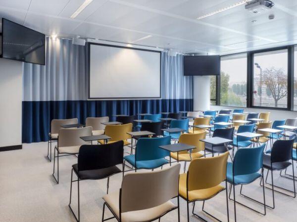 办公室装修为什么要创建企业招待区
