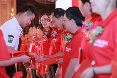 中国排名第二策划人张默闻助阵皇玛梦丽莎发布会