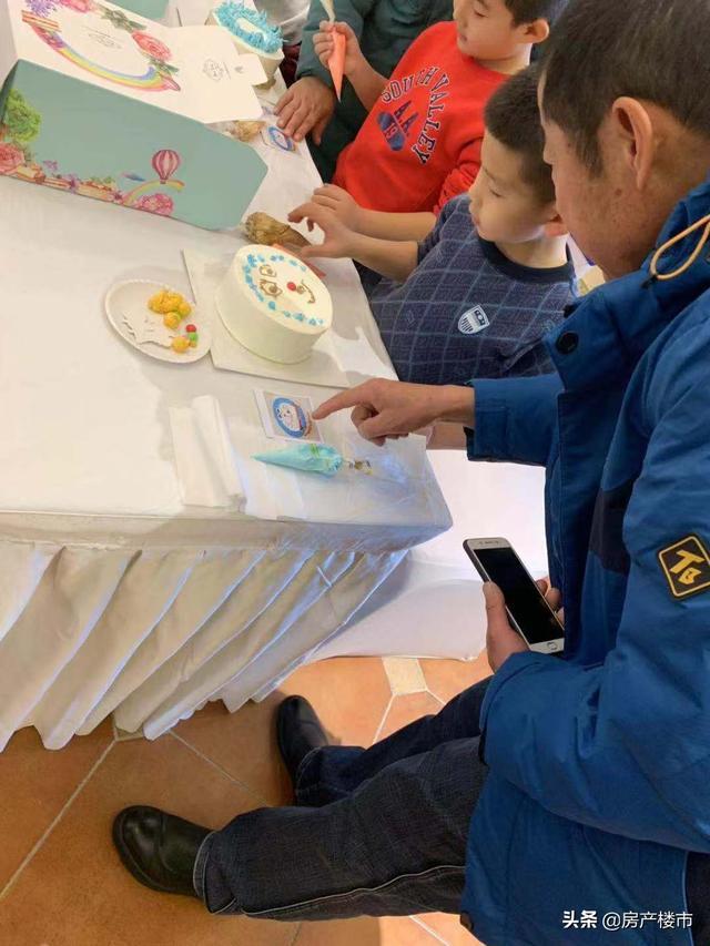 """【奥体玉园】美食轰趴月 """"创意蛋糕DIY""""甜蜜开启"""