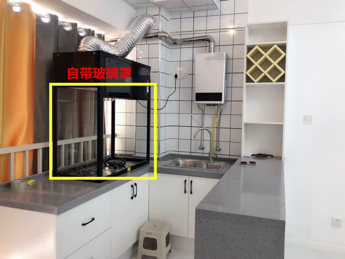 《【摩登3平台官网】墙上打洞,油烟机玻璃罩围着立放橱柜台上,任意移动》