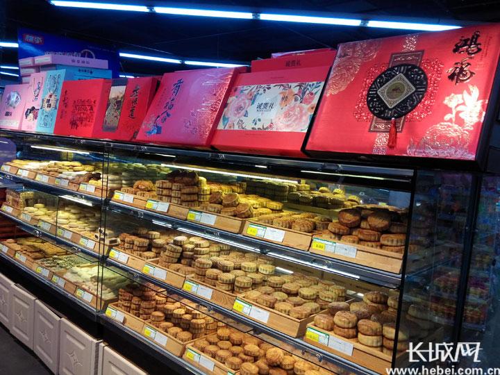 衡水:月饼流行亲民风 理性消费过中秋
