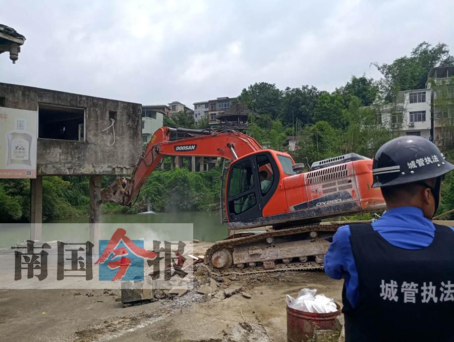 柳州两处违建农庄被拆 其中一家投资超千万元