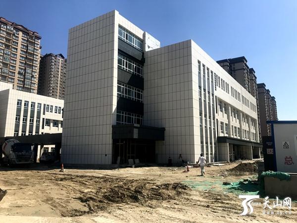 乌鲁木齐市会展片区第136小学主体建设完工