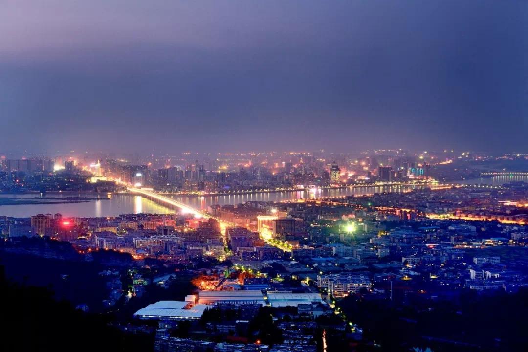 站在这样的高度,才能感受这座城市的魅力~