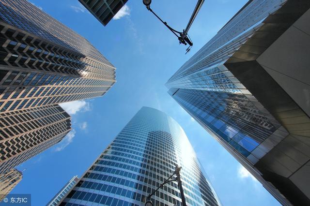 专家:楼市趋冷,退房增加,下一步是打砸售楼处!