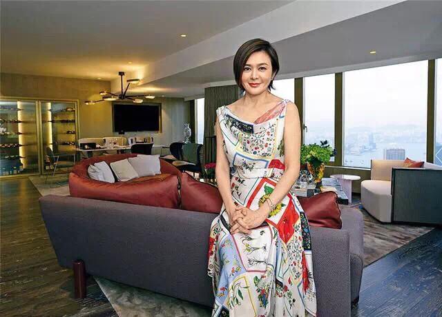 关之琳1.5亿豪宅曝光,但却独自居住,她称:非常享受单身