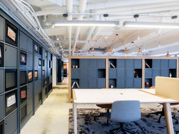 注意整个办公室装修的风格带来的效果