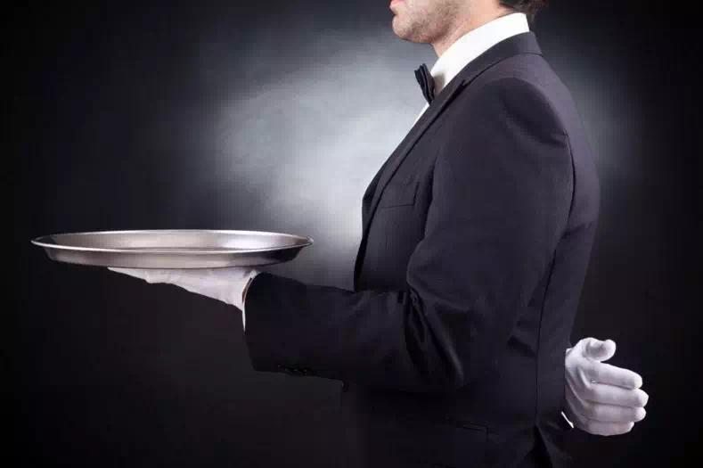 餐厅服务员服务心态自我八问,想明白了就能快速进步!