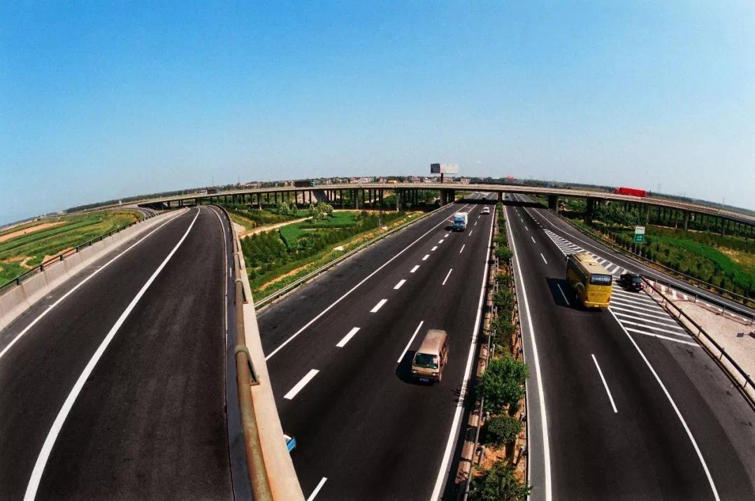 曲港高速公路(曲阳至肃宁段)正正式通车运营!