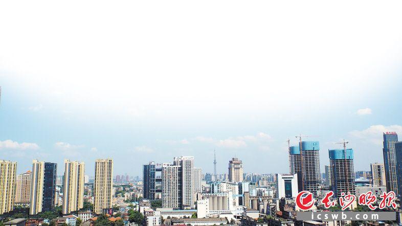 """长沙成吸聚房企""""价值宝地"""" 中国房地产品牌价值研究成果发布"""