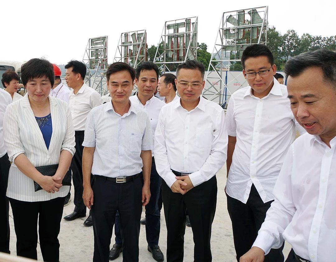 实地察看督导广澳港区和华南师大附属濠江实验学校重点项目建设