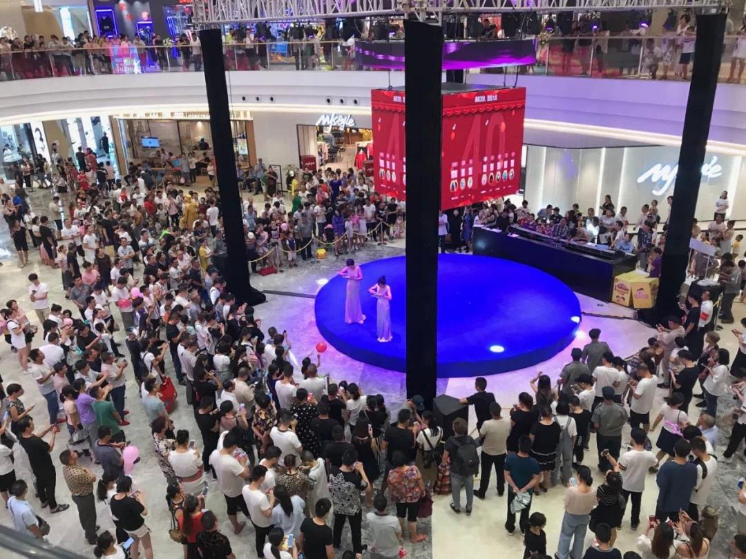 黄岩吾悦广场开业首日客流21.9万,精彩绽放永宁江!
