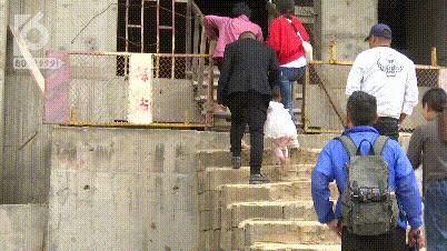 烂尾楼里的 30 位房奴:每天爬 18 楼、一个月洗一次澡搜狐焦点北京站插图(25)