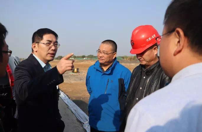 市建設局局長調研湖山大道、湖長二通道工程