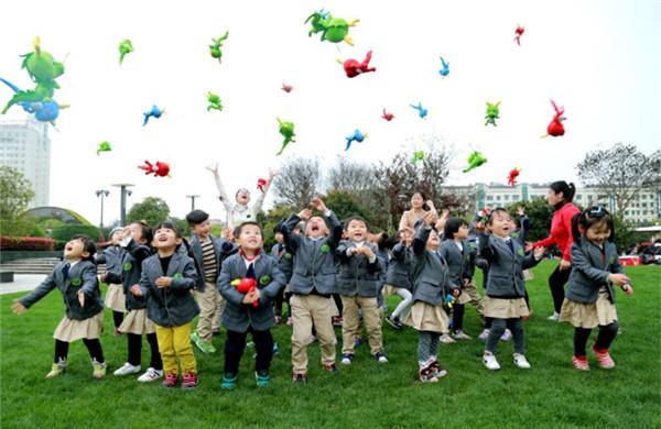 许昌魏都区组建八大教育集团 让适龄学童在家门口上名校