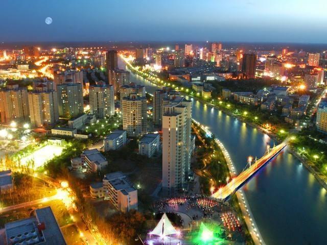 新疆经济,乌鲁木齐第一,克拉玛依、阿克苏、喀什分别能排第几?