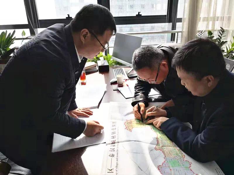 追赶超越在秦汉 | 夏静听取并安排重点考核项目建设工作