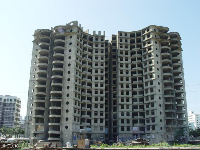 中国到底有多少房子空着没人住?
