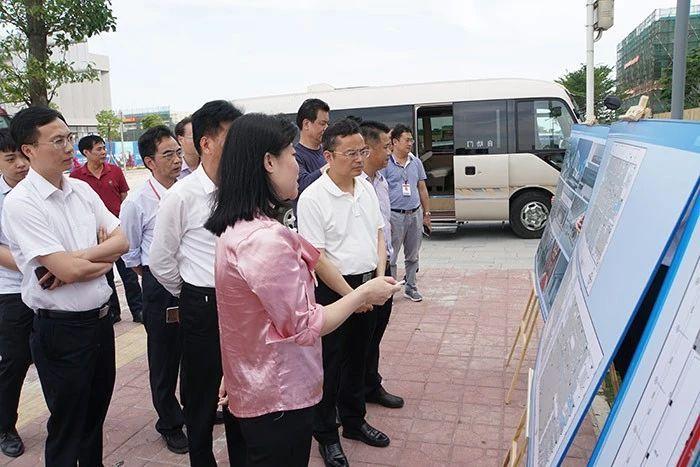 项目推进不放假 吴文兵开展产业园区提质增效专题调研