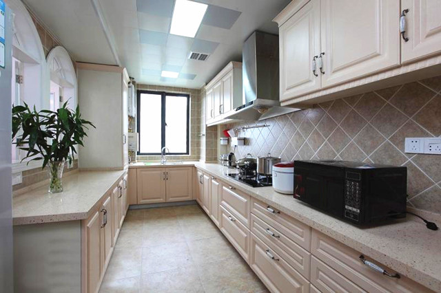 厨房装吊顶:石膏吊顶or集成吊顶,选哪种好?