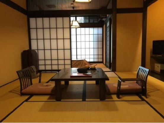為什么日本房子冬天連地暖也不用開?他們是這樣蓋房的,太聰明了