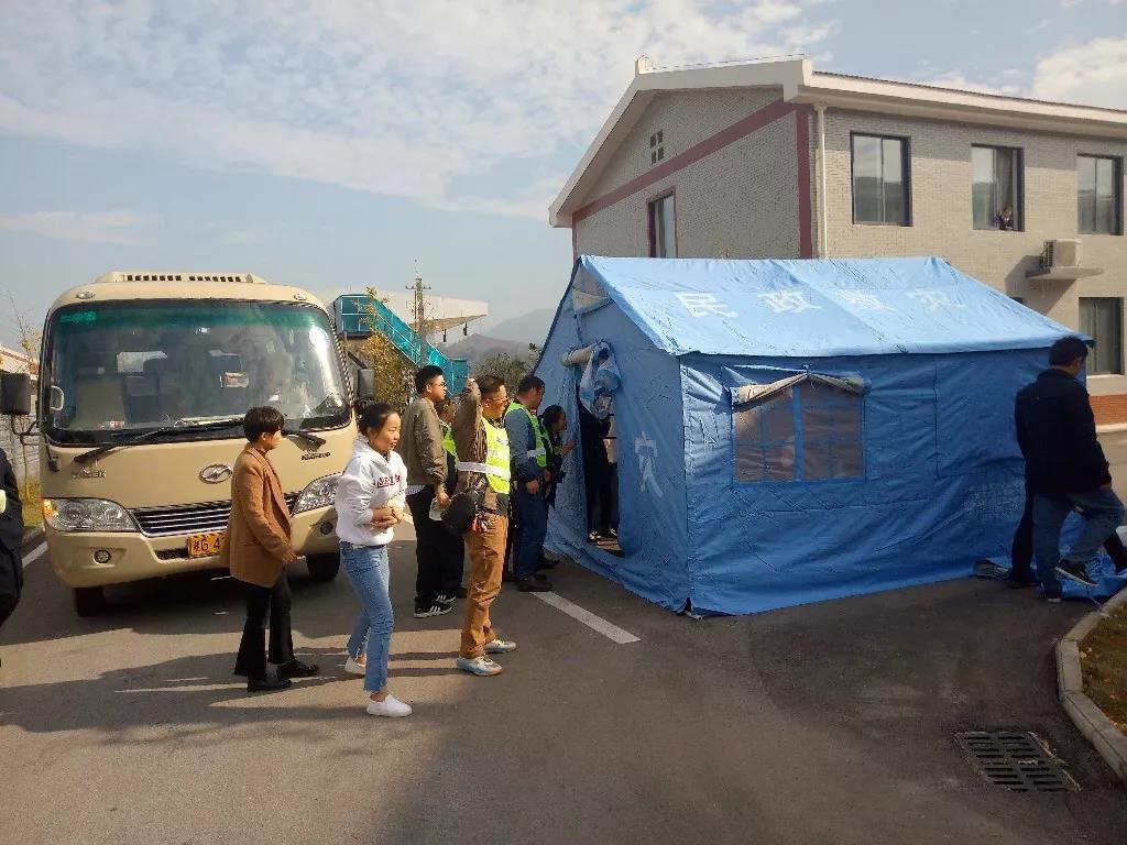 桑植县举行高速公路黄香湾特长隧道事故应急演练