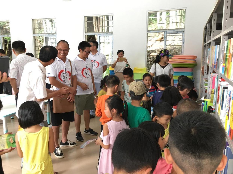 日丰集团为惠州儿童资源中心捐赠爱心物资
