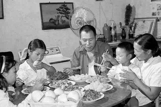 最好的装修是父母的爱与温柔,那些记忆中的童年老房子 父母 第16张
