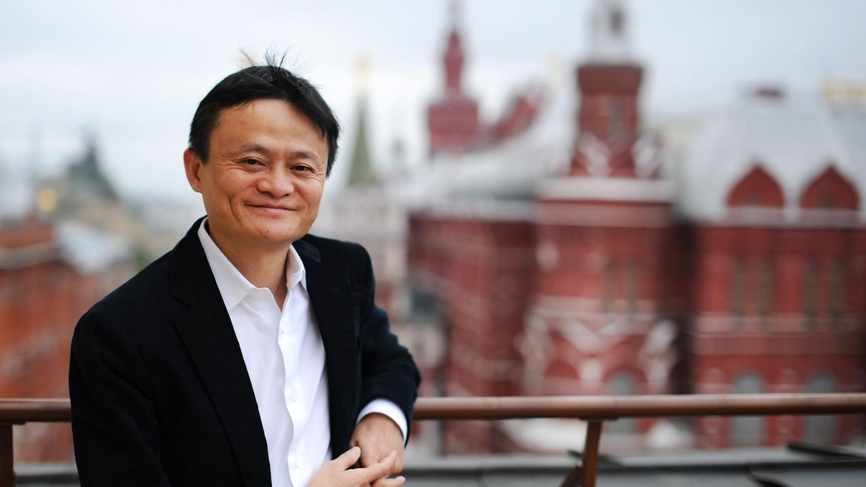 马云问鼎首富背后:腾讯市值缩水万亿,房地产与游戏神话不再