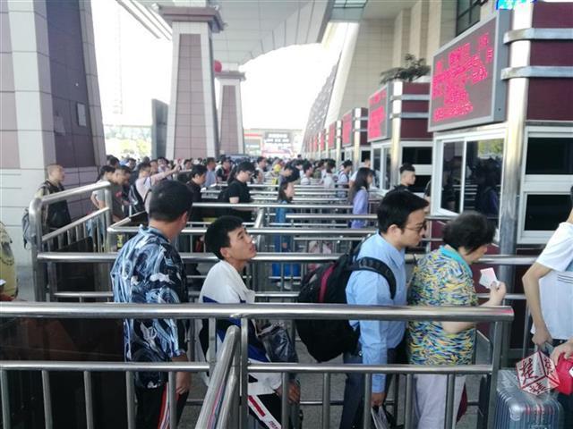 武汉三大站未取车票有近百万张 旅客请提前取票