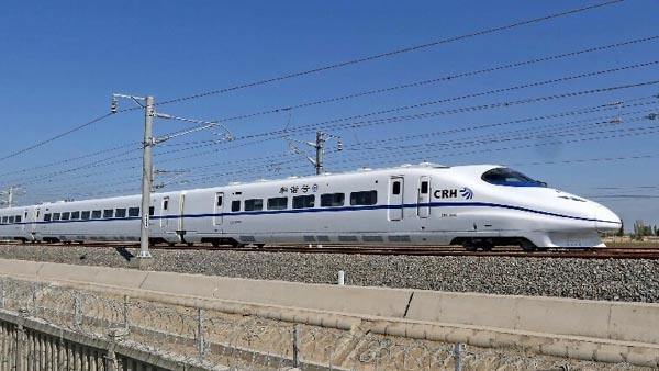 重庆铁路全面融入全国高铁网 动车成客运主力