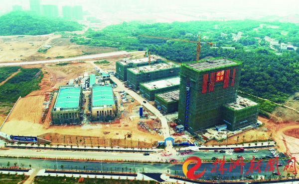 5家企业签约入驻轨道智造产业园 一期工程已封顶